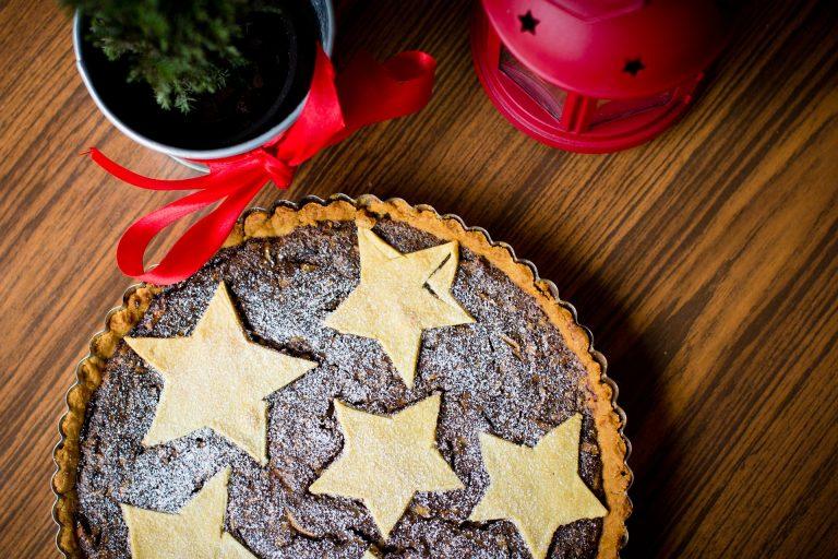 レーズンとメープルシロップのパイ